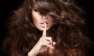 Salon Deluxe Hair and Beauty: Volledige knipbeurt voor dames en heren, naar keuze met kleuren bij Salon Deluxe Hair and Beauty