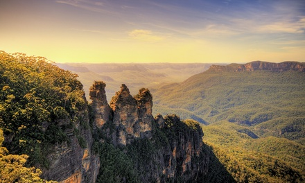 Blue Mountains: 2 or 3 Nights or 6 People with Breakfast, Parking Wine and Late CheckOut at Echo Point Village