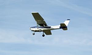 Aeroklub Śląski: Lot widokowy samolotem nad aglomeracją górnośląską (190 zł) lub Beskidami (300 zł) i więcej w Aeroklubie Śląskim