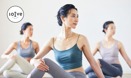 Hot Yoga Studio loIve NU茶屋町店