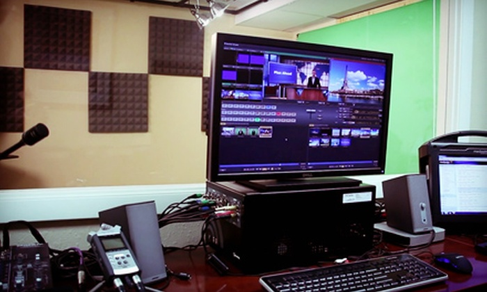 Motive Learning - Cocoa River: One-Hour Video-Studio Rental with Choice of a Color Backdrop or a Virtual-Set Greenscreen at Motive Learning (50% Off)