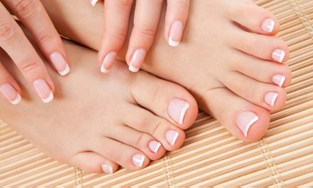 Puesta de uñas de gel o porcelana, o 2 sesiones de manicura y/o pedicura desde 12,95 € en Centro de Estética Vene