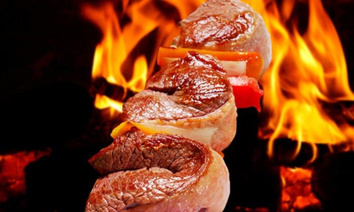 Via Stadium Churrascaria - Brasília: Via Stadium – Taguatinga: rodízio de carnes e buffet de sushis, pratos quentes e saladas, a partir de R$ 31,40