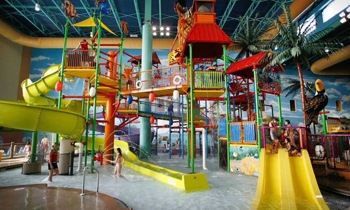 KeyLime Cove - Gurnee, IL: One-Night Stay for Up to Six with Water-Park Passes at KeyLime Cove in Gurnee, IL