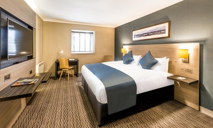 Aberdeen: Standard or Club Room for Two with Breakfast and Option for Dinner at 4* Copthorne Hotel Aberdeen