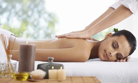 Uno o 3 massaggi da 40 minuti abbinati a fanghi al Centro Olistico Goodlive (sconto fino a 70%)