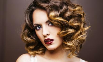 Komplett-Haarschnitt inkl. Intensiv-Haarmaske und Styling bei Friseur Strukturwandel (bis zu 61% sparen*)