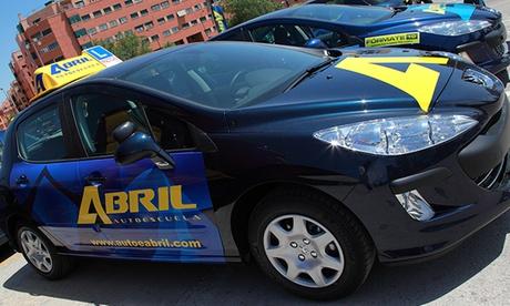 Simulacro de examen práctico para carné B de cochepor 34,95 € en Autoescuela Abril, 12 centros
