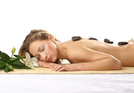 Sarah Reynolds Spa: A 60-Minute Hot Stone Massage at Sarah Reynolds Spa (50% Off)