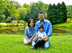 Eclectic Fotos LLC: $89 for a One-Hour Family-Portrait Session with Online Gallery from Eclectic Fotos ($220 Value)
