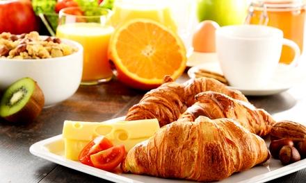 Reichhaltiges Frühstück inkl. Orangensaft und Cava-Sekt für Zwei oder Vier bei Vielfalt Tapas (bis zu 42% sparen*)