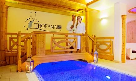 Międzyzdroje: 2-8 dni dla 2 osób z wyżywieniem, wstępem na basen, jacuzzi i więcej w Hotelu Trofana 3*