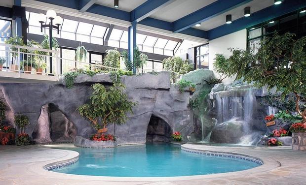 Sidney James Mountain Lodge - Gatlinburg, TN: Stay at Sidney James Mountain Lodge in Gatlinburg, TN, with Dates into April