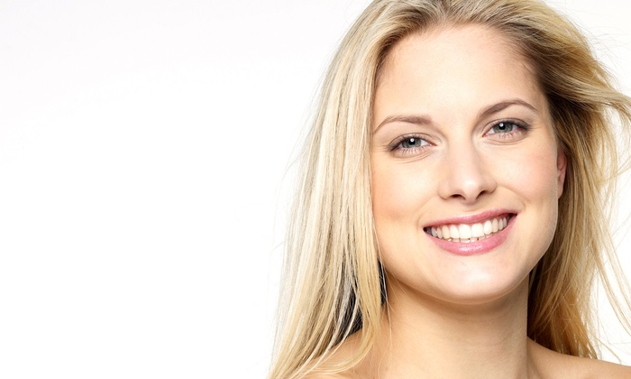 Advanced DermaCare Inc - La Cholla Corporate Center: One or Three UltraSonic Exfoliations with Dermal Abrasion and LumiStim Treatments at Advanced DermaCare (Up to 84% Off)