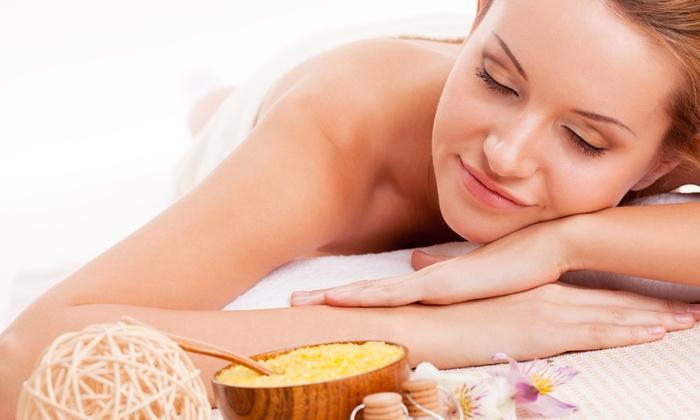 Centro Del Benessere - Centro Del Benessere: Pulizia viso, massaggio, ceretta e manicure estetica a 39,90 €