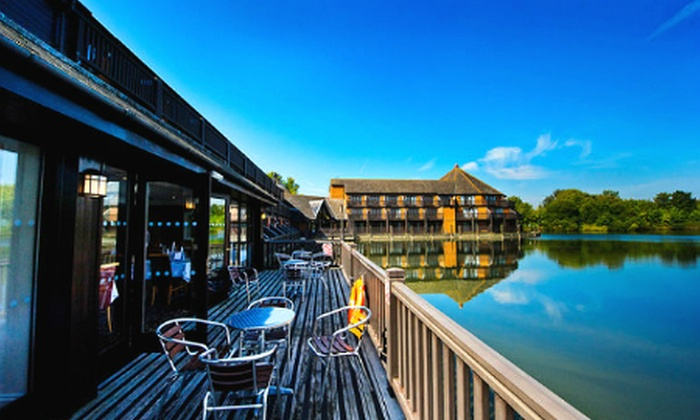 Reading Lake Hotel - Reading: Berkshire: 1 Night For Two With Breakfast and Wine for £59 at the Reading Lake Hotel (Up to 53% Off)