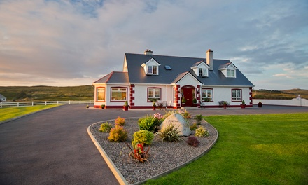 ✈ 8-Day England and Ireland Trip w/ Air. Price/Person Based on Double Occupancy (Buy 1 Groupon/Person).