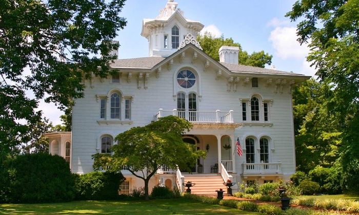 Mayhurst Inn - Orange, VA: 2-Night Stay for Two in a Premier or Luxury Room with Wine Glasses and Strawberries at Mayhurst Inn in Orange, VA