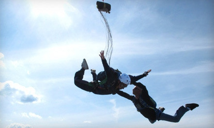 Westside Skydivers - Winsted: $168 for a First Jumper's Skydiving Course and a Solo Jump from Westside Skydivers in Winsted ($299 Value)