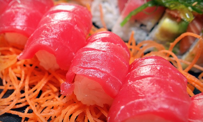 Sushi on a Roll - Central San Diego,Gaslamp: $69 for a 1.5- to 2-Hour Sushi-Making Class for Two at Sushi on a Roll ($166 Value). Eight Nights Available.