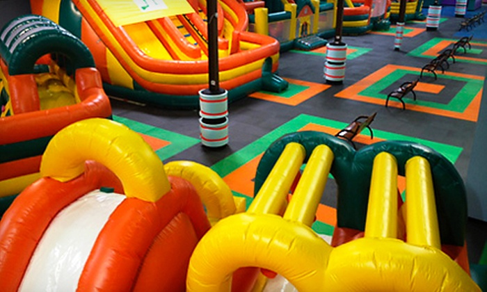 Bounceeez - Virginia Beach: $17 for Four Bounce Outing Admissions with Juice Boxes and Chips at Bounceeez($43.88 Value)