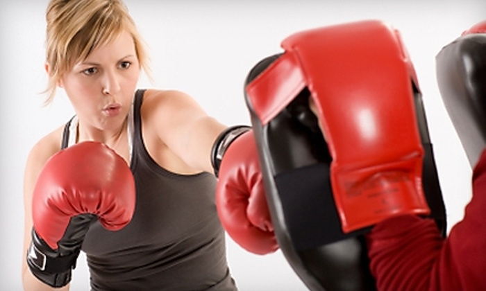 Tarzana Boxing & Fitness - Tarzana: $35 for 10 Boxing, Kickboxing, or Muay Thai Classes at Tarzana Boxing & Fitness ($200 Value)