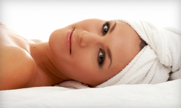 Heavenly Hands Salon - Northeast Salem: $35 for a Facial Package with a Hot-Towel Treatment and an Eyebrow Wax at Heavenly Hands Salon ($70 Value)