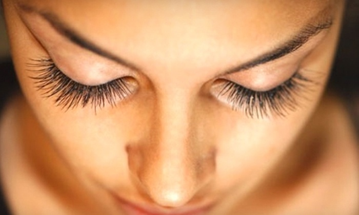 MyLash Canada - Port Credit: $8 for an Eyebrow-Shaping Treatment ($20 Value) or $49 for Eyelash Extensions ($160 Value) at MyLash Canada in Mississauga
