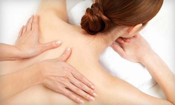 Zen Massage Spa Chicago - Uptown: $40 for a 60-Minute Custom Massage at Zen Massage Chicago ($80 Value)