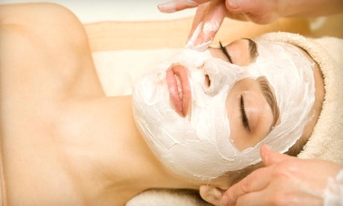 Les Cheveux Salon - Colonial Avenue Area: $25 for a One-Hour Facial at Les Cheveux Salon ($55 Value)