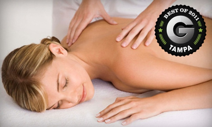 Simple Relief Wellness Center - Gillespie Park: $32 for a 60-Minute Relaxation Massage at Simple Relief Wellness Center in Sarasota ($65 Value)