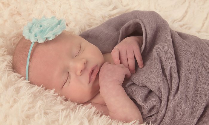 Elizabeth Mundy Photography - Charlotte: $89 for a Photo Shoot with Prints and Digital Images from Elizabeth Mundy Photography ($250 Value)