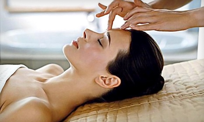 Arizona Eye Institute & Cosmetic Laser Center - Sun City West: $99 for an Obagi Blue Facial Peel at Arizona Eye Institute & Cosmetic Laser Center in Sun City West ($365 Value)