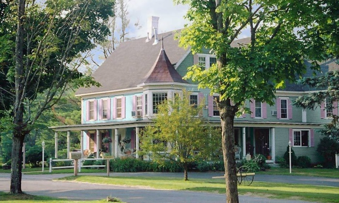 Rosewood Country Inn - Bradford, NH: Two-Night Stay with a Bottle of Wine and Hors d'oeuvres at Rosewood Country Inn in Bradford, NH