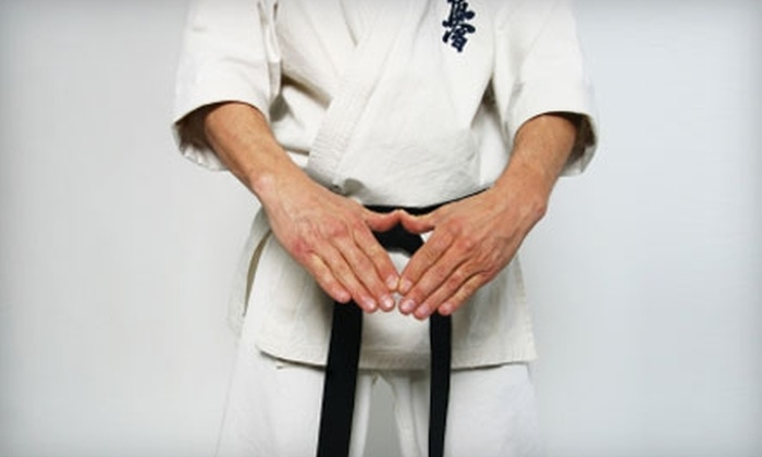 Chinese Shao-Lin Center - Financial District: $30 for a Month of Unlimited Classes and One Local Specialty Class at Chinese Shao-Lin Center ($100 Value)