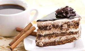 Mit freundlichen Grüßen GmbH: Kuchen und Heißgetränk nach Wahl für Zwei oder Vier im Café Mit freundlichen Grüßen am Jungfernstieg
