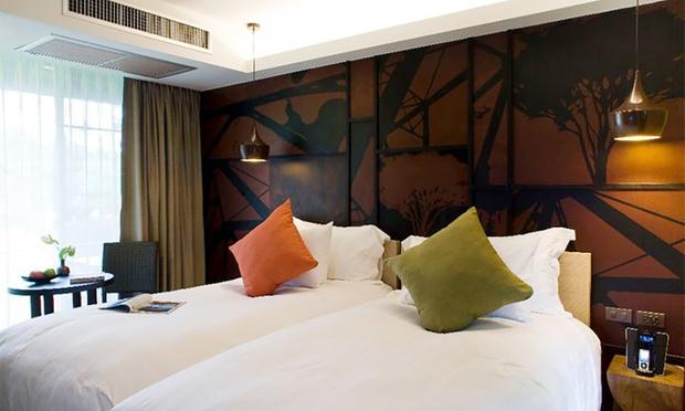 Thailand: Twin Hotel Stay+Flights 1