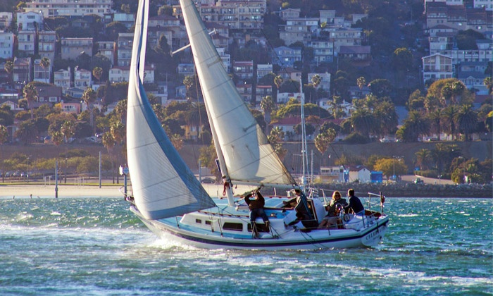 L.A. Sailing - Multiple Locations: 90-Minute Introductory Sail for One or Two or Four-Day Intro Sailing Course at L.A. Sailing (Up to 50% Off)