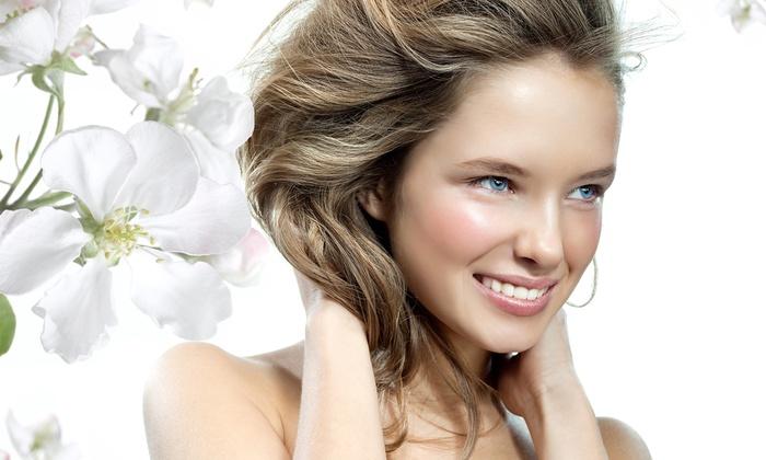 Medical Beauty Dermazeutisches Fachinstitut - Medical Beauty Dermazeutisches Fachinstitut: Basic-Reinigung oder Beauty-Package für Gesicht bei Medical Beauty Dermazeutisches Fachinstitut (bis zu 52% sparen*)