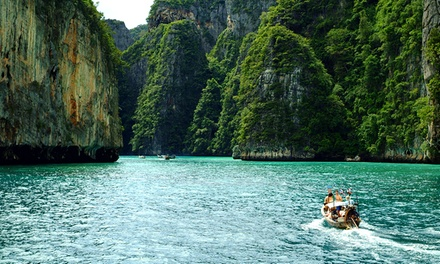 Thailand, Phuket: Five, Seven or Ten Nights for Two with Breakfastand Food Discounts at Karon Sea Sands Resort and Spa
