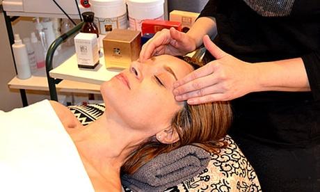 Limpieza facial básica en 10 pasos con masaje facial para 1 o 2 personas desde 19,95 € en Dea Día