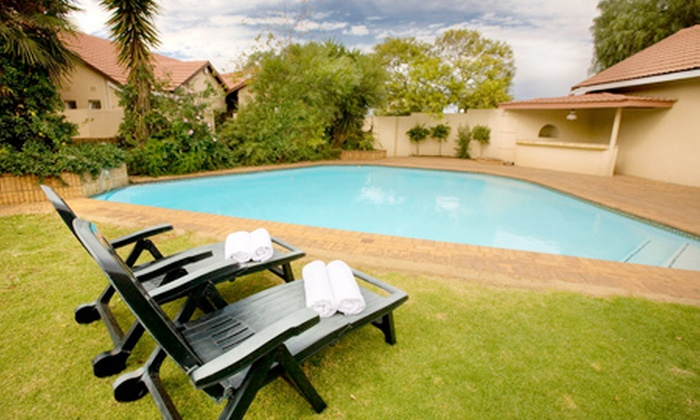 Paul - Merchandising (ZA): Johannesburg: B&B Stay for Two at Elizabeth Lodge