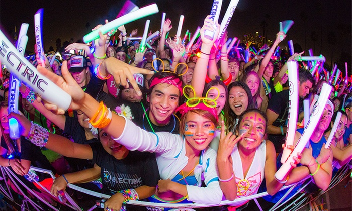 Electric Run - Del Mar Fairgrounds: Electric Run — Nighttime 5K and Dance Party on Saturday, March 26, Starting at 7:30 p.m.