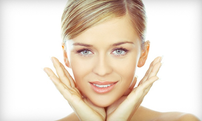 Posh Salon and Spa - Parma: $39 for a Facial with a Paraffin Treatment for Hands at Posh Salon and Spa ($80 Value)