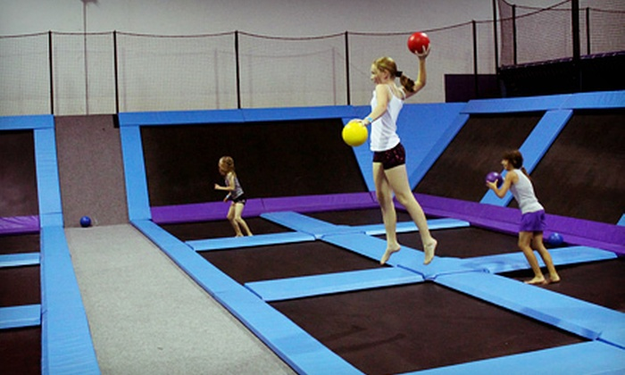 Jump5150 - Valencia: One- or Two-Hour Play Session at Jump5150 (Up to 61% Off). Four Options Available.