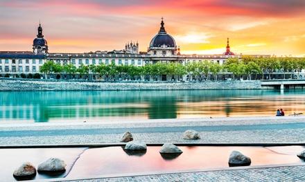 Lyon: habitación doble para 2 personas con opción a desayuno en Hotel The Originals de la Loire