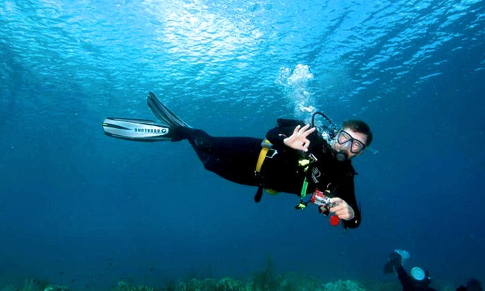Central Valley Scuba Center - Tulare: One-Hour Try Scuba Class for One or Two at Central Valley Scuba Center (70% Off)