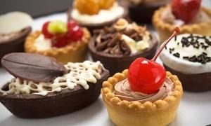 Caffetteria Ferraro: 1 o 2 kg di pasticceria mignon a scelta o torta presso Caffetteria Ferraro (sconto fino a 66%)