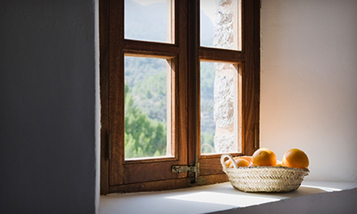 Metro Wide - Hamptonshire: $45 for Exterior Cleaning of 20 Windows from Metro Wide (Up to $90 Value)