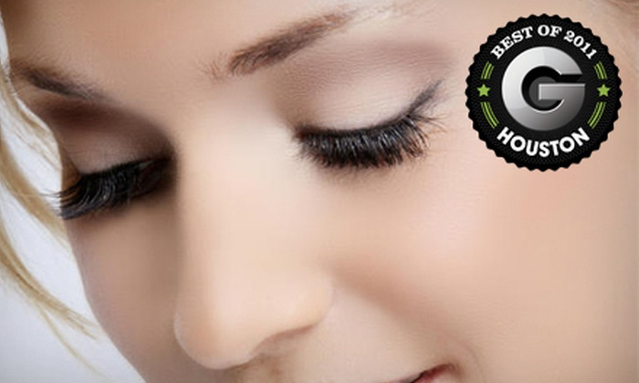 Amazing Lash Studio - Multiple Locations: $79 for a Full Set of Eyelash Extensions at Amazing Lash Studio ($250 Value)